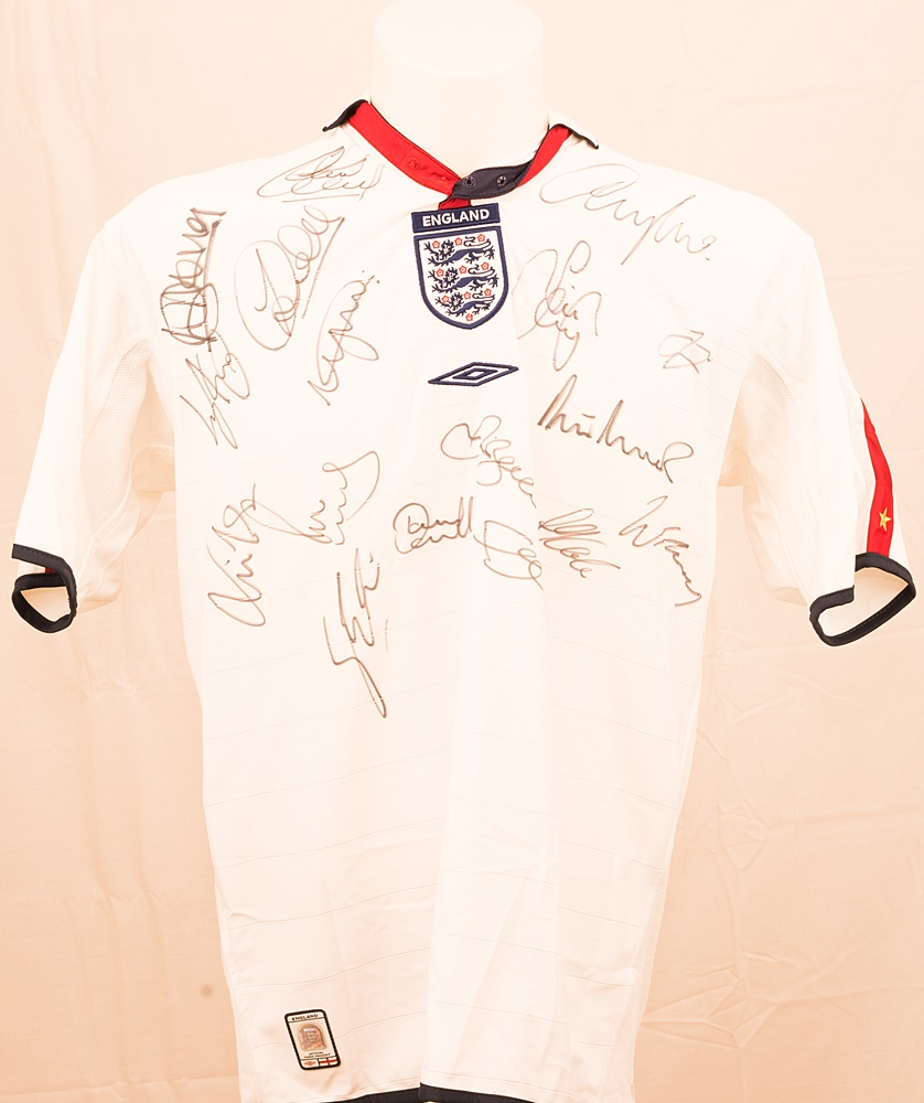 lot detail england football club 2004 team signed replica away jersey 17. Black Bedroom Furniture Sets. Home Design Ideas