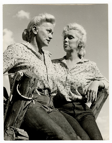 "Marilyn Monroe  ""The Misfits"" Original 11 x 14 Movie Set Photograph"