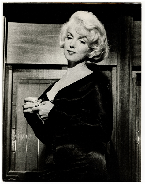 "Marilyn Monroe   ""Some Like It Hot"" Original 11 x 14 Movie Set Photograph"