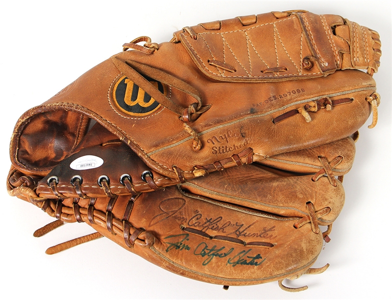 "Jim ""Catfish"" Hunter Signed Store Model Baseball Glove"